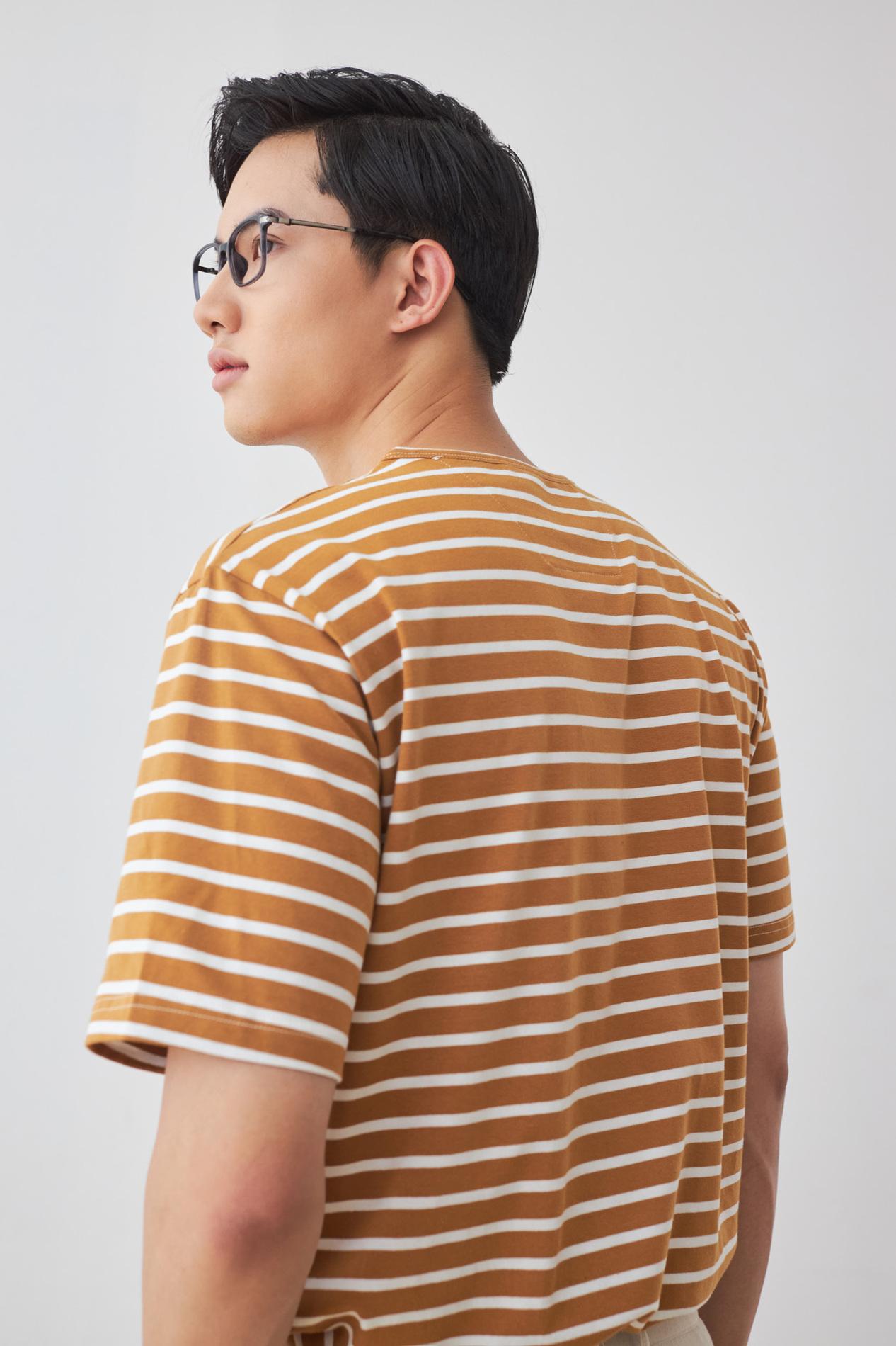 Look Miles T-shirt